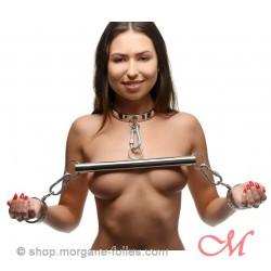 Joug de Bondage en Acier Inoxydable avec Colier et Bracelets