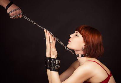 Colliers et Bracelets de Soumission